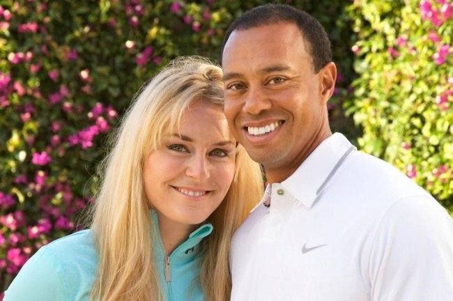 Tiger & Lindsey Vonn Admit They're Dating Via Awkward Facebook Photoshoot