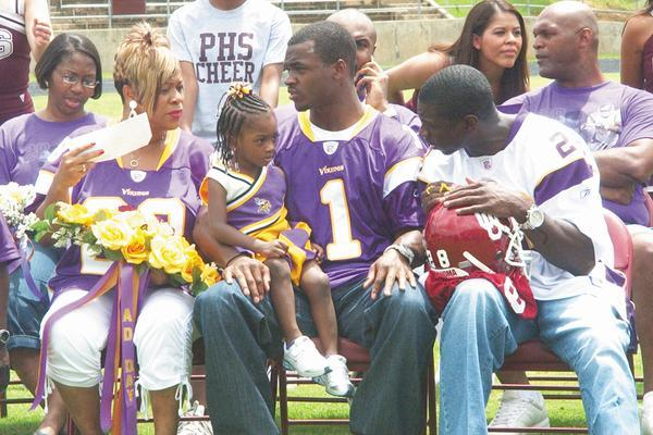 Adrian Peterson's Daughter Can't Believe He Lost to the Browns