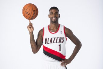 NCAA (pour savoir qui drafter l'an prochain) - Page 6 Hi-res-182617414-dorell-wright-of-the-portland-trail-blazers-poses-for_crop_exact