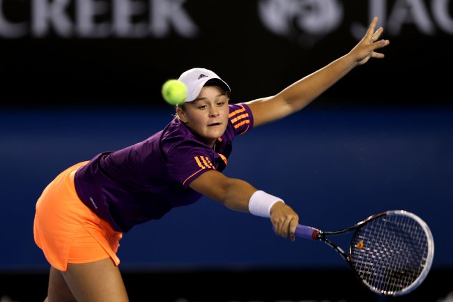 Yang tersisa Dari Australian Open 2014 Hi-res-462349113-ashleigh-barty-of-australia-plays-a-forehand-in-her_crop_exact