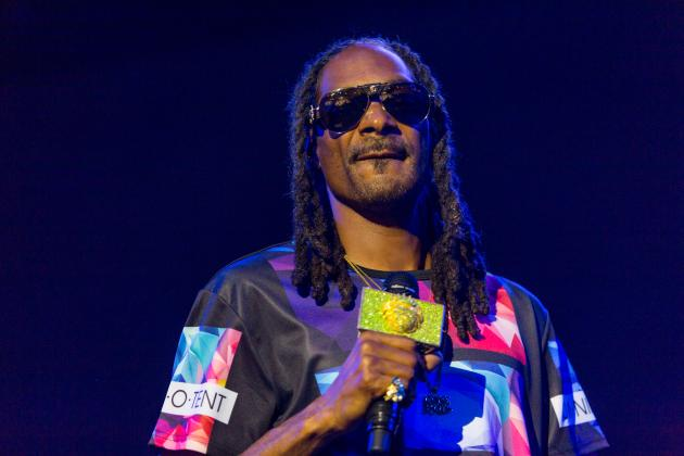 The Denver Broncos Dance on Snoop Dogg's Ashes After Playoff Win