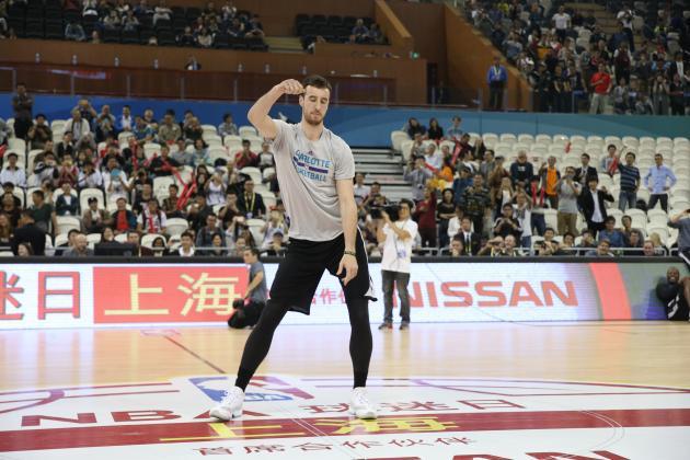 Frank Kaminsky Challenges Kristaps Porzingis to a Dance-Off