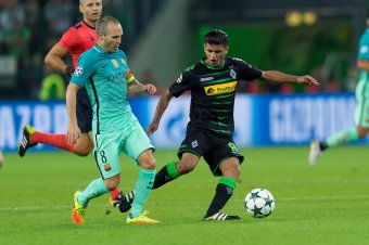 borussia dortmund should attempt to sign midfielder mahmoud dahoud in january bleacher report. Black Bedroom Furniture Sets. Home Design Ideas