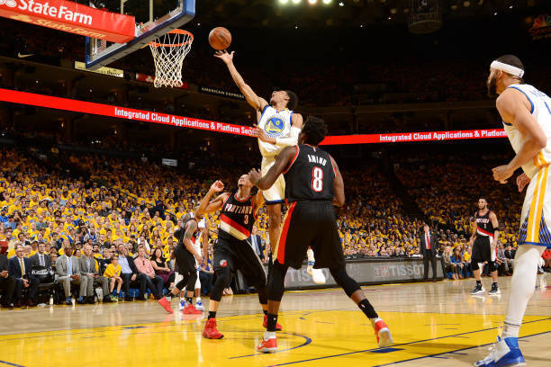 OAKLAND, CA - APRIL 19: Patrick McCaw #0 of the Golden State Warriors shoots a lay up during the game against the Portland Trail Blazers during Game Two of the Western Conference Quarterfinals during the 2017 NBA Playoffs on April 19, 2017 at ORACLE Arena