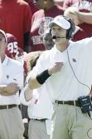 Oklahoma Football: Mike Stoops Officially Hired; Venables Will Work with Him