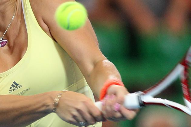 Australian Open 2012: Caroline Wozniacki Believes Her Wrist Will Be Ready