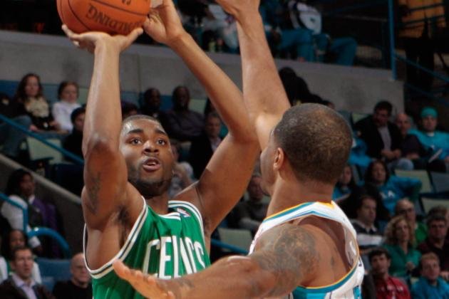 E'Twaun Moore Must Play Point Guard for Boston Celtics to Ensure Long NBA Career