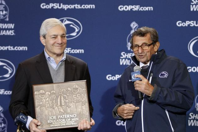 Joe Paterno: Sports Fans Mourn Loss of Former Penn State Coach