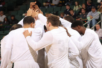 Cleveland State Blows out UW-Milwaukee
