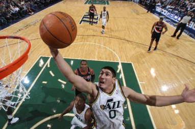 Utah Jazz: Enes Kanter Deserves More Playing Time