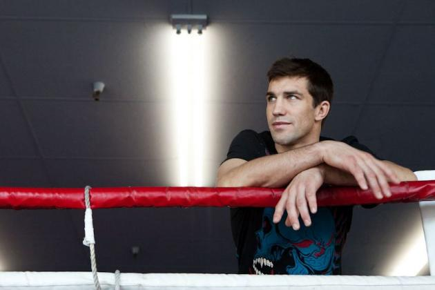 Luke Rockhold Must Fight Tim Kennedy Before Calling out UFC Fighters