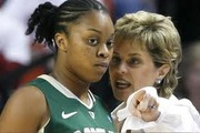 Baylor Lady Bears Flaunt Their Depth, Trounce Lady Sooners in Norman