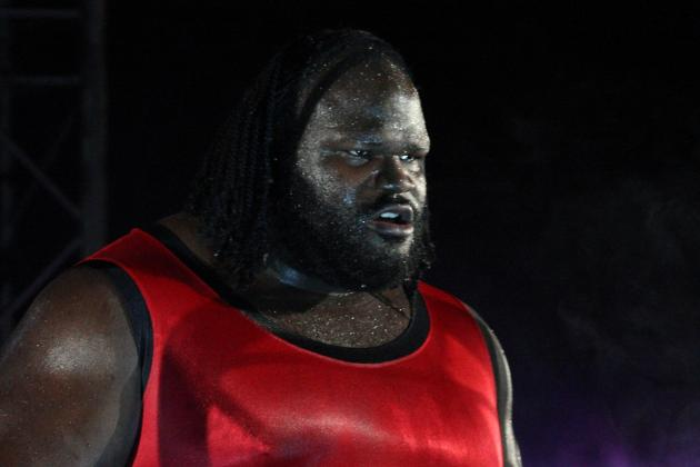 WWE Rumors: Mark Henry Reportedly Suffers Knee Injury During SmackDown