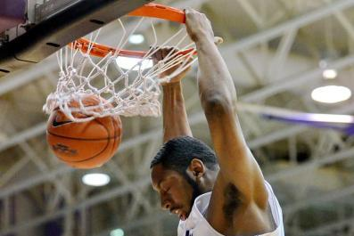 SoCon South: Furman Hosts Davidson Tonight in a Division Rivalry