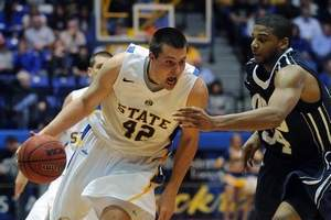 Mid-Major Update: South Dakota State Knocks off Summit Leader Oral Roberts 75-60