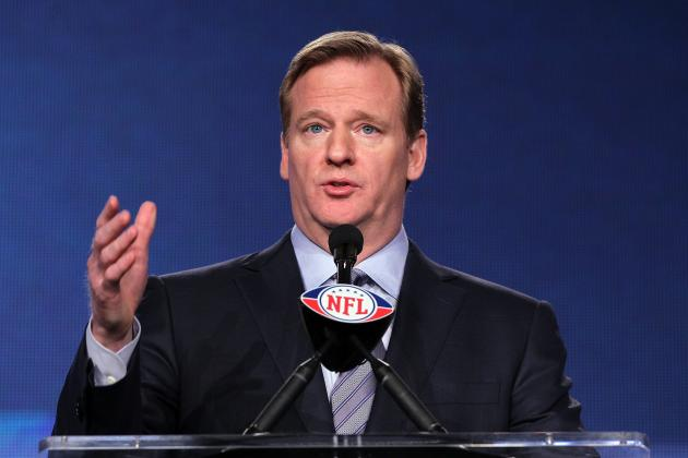 Super Bowl 2012 Live Stream: NFL Shows Rare Common Sense with Online Option