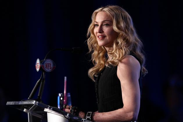 Super Bowl Halftime Show 2012: Twitter Reacts to Madonna's Performance