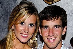 Eli Manning Wife: Super Bowl Shot of Abby One of the Few Glimpses Fans Will Get