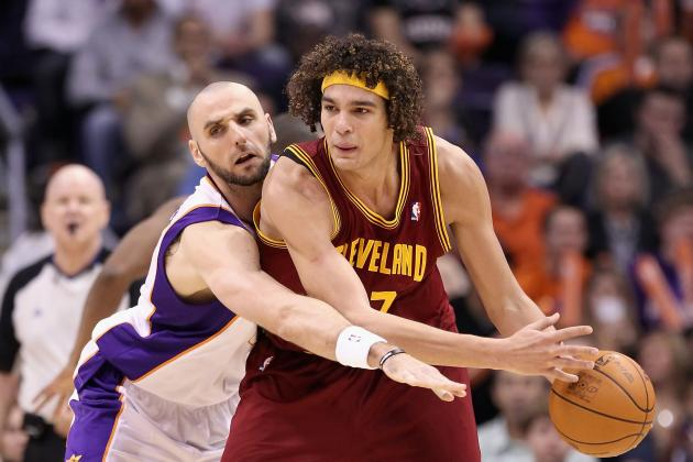 Cleveland Cavaliers Making Big Mistake Not Trading Anderson Varejao