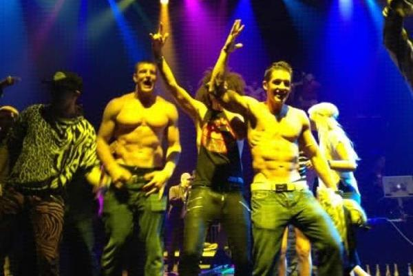 Super Bowl 2012: Rob Gronkowski and Patriots Dance Shirtless After Giants Loss