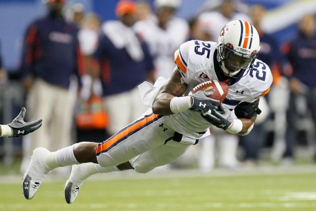 Auburn Football:  Is It Time for Linebacker Daren Bates to Move Back to Safety?