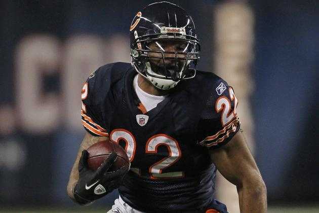 2012 NFL Free Agency: Predicting Who From the Bears  Will Stay and Who Will Go