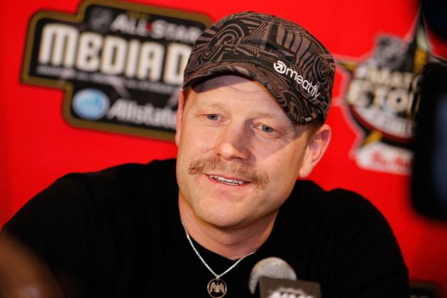 Tim Thomas: Bruins Goalie Should Continue to Publicly Express His Thoughts