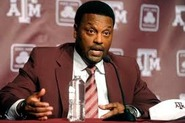 Texas A&M Football: Defensive Line Coach Hire Important One for Sumlin