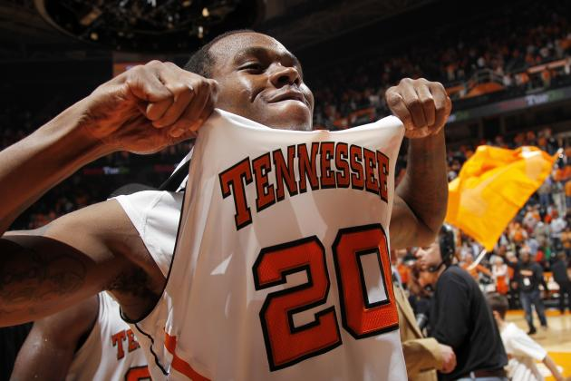 Tennessee Basketball: Loss of Kenny Hall Won't Derail Tourney Hopes