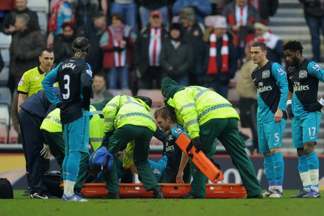Arsenal: Injury Woes Continue, Per Mertesacker to Be out a Long Time
