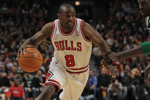 Chicago Bulls Should Keep Mike James over John Lucas III