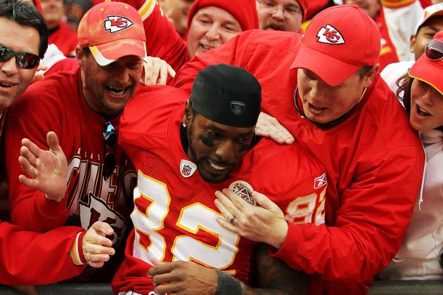 Kansas City Chiefs Must Make Obvious Choice by Franchising Dwayne Bowe