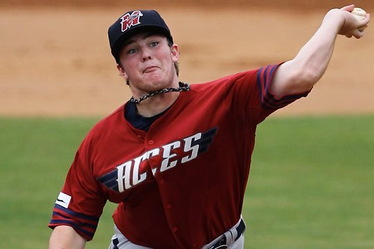 Boston Red Sox Sign 17-Year-Old Aussie Phenom LHP Daniel McGrath