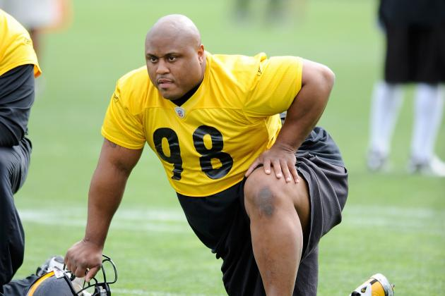 Pittsburgh Steelers: Keeping Casey Hampton Should Not Alter Draft Strategy