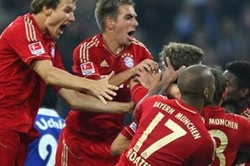 FC Bayern Munich vs. Schalke 04: Beleaguered Bayern Team Faces Schalke
