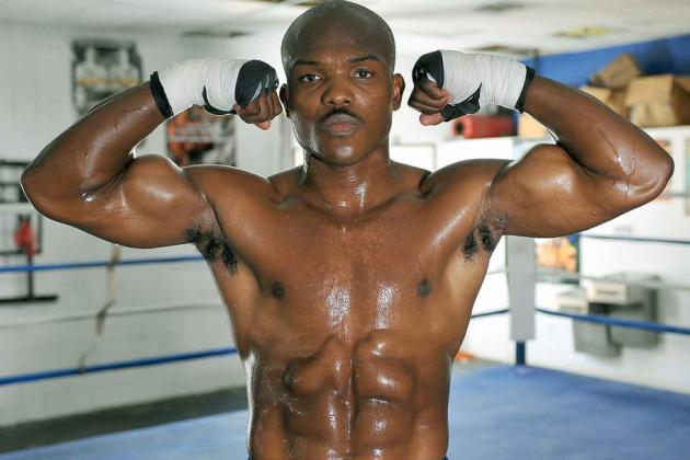 Timothy Bradley Says He'll Be First to Beat Floyd Mayweather