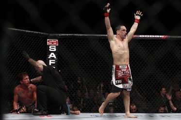 UFC 144 Results: Why Edgar Does NOT Need to Go to Featherweight