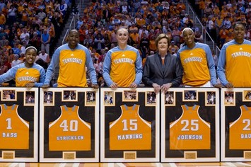 Tennessee Lady Volunteer Seniors Lead Way in Win over Florida Gators