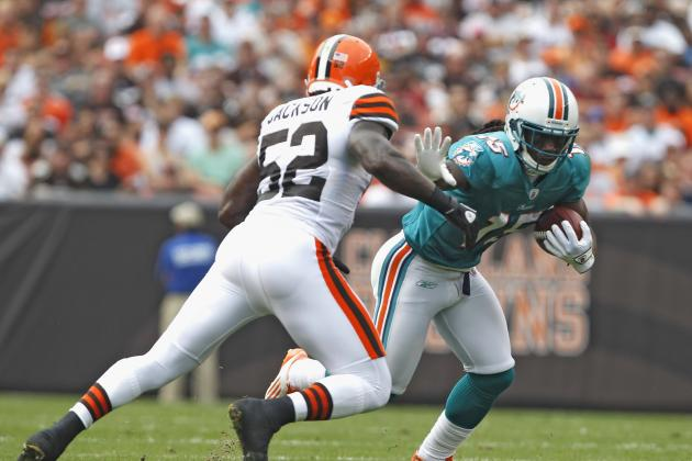 2012 NFL Free Agency: Cleveland Browns Re-Sign Linebacker D'Qwell Jackson