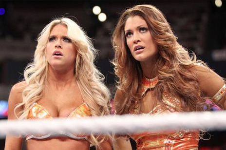 WWE News: Kelly Kelly Insults Eve on Twitter