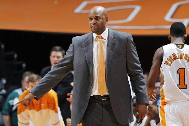 Tennessee Volunteers Basketball: Cuonzo Martin Should Be SEC Coach of the Year