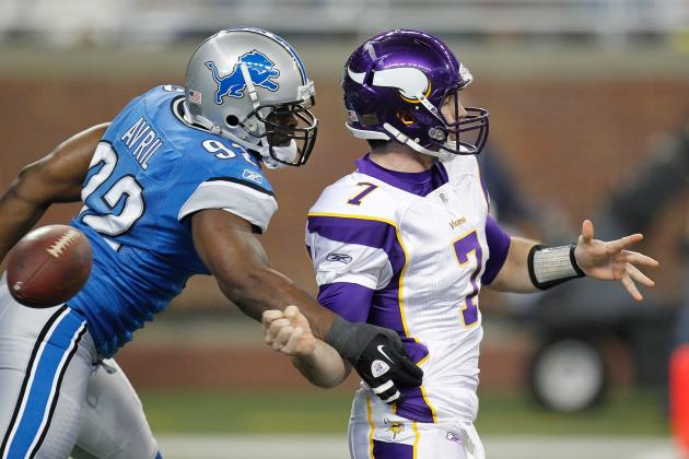 Detroit Lions: Can Both Stephen Tulloch and Cliff Avril Remain with Team?