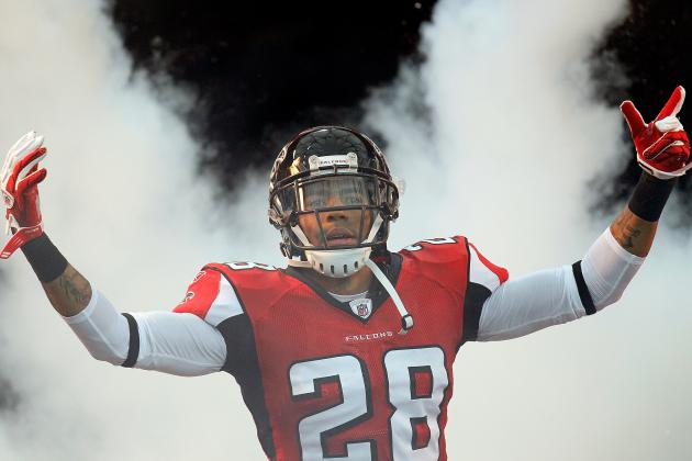 Atlanta Falcons and Safety Thomas DeCoud Agree on Contract