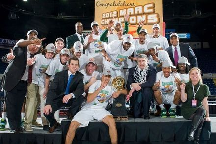 The Loyola Greyhounds' Long Trip to the NCAA Tournament