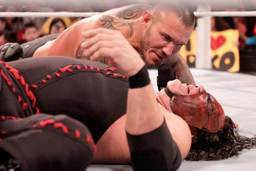 WWE SmackDown Preview: Big Johnny Takes Charge, a Steel Cage, Kane and More