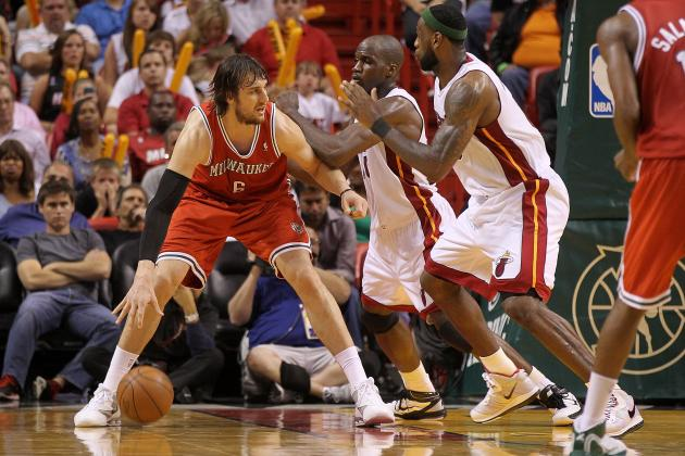 NBA Trade Rumors: Warriors Interested in Andrew Bogut