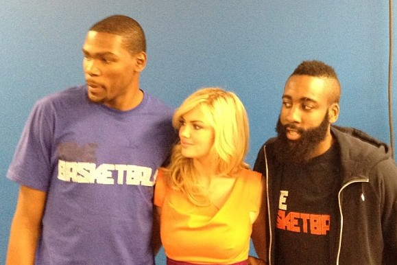 Thunder Upton: Kate Upton Distracts the Suns and Thunder Players in OKC