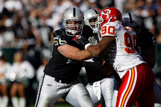 Oakland Raiders: Familiar Face Returns, RG Cooper Carlisle Agrees to Deal