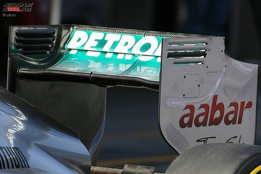 Formula 1: Mercedes' DRS-Enabled Front Wing F-Duct Has Competitors in a Flap