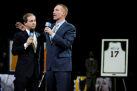 Warriors Fans Should Be Embarrassed by Pathetic Display on Chris Mullin's Night